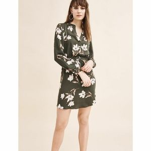 Dynamite like new green floral dress medium